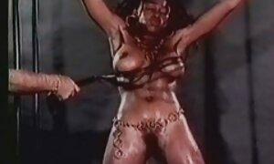 Fille film français x gratuit sexy en robe de latex dans les coulisses clip