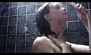 Énorme éjaculation porno film français gratuit faciale pour une brunette aux gros seins