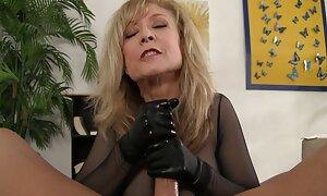 Huilé fille noire avec de gros seins sexe porno gratuit français baisée